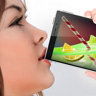iCocktail Drinks - Confuse people by 'drinking' from your phone as if it were a cocktail