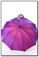 Chowając się za parasolem
