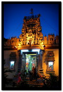 Tempio indù di notte