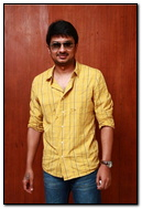 Gethus Actor In Yellow Shirt