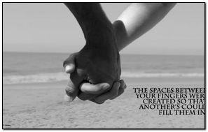Przestrzenie między palcami