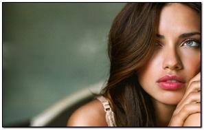 Adriana Lima Simple