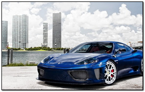 Niebieski Ferrari 360 Modena