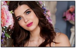 Cô gái Nga xinh đẹp
