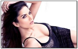 Sunny Leone S*xy Back