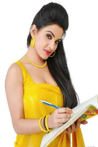 Beauty In Yellow Saree