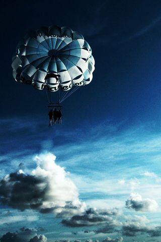 Parachuting-in-Sky
