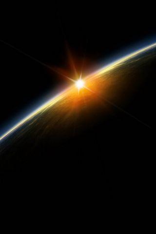 شروق الشمس في الفضاء