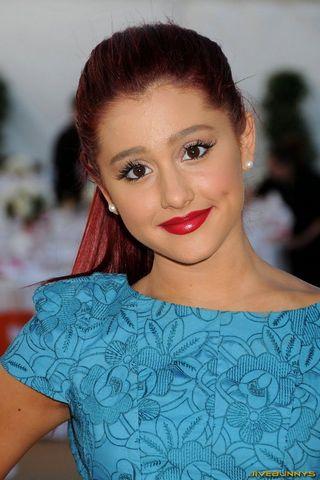 Ariana Grande Fnd 2