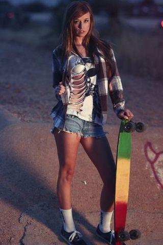 GIRL SKATE STYLE