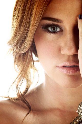 Miley-Cyrus-2012