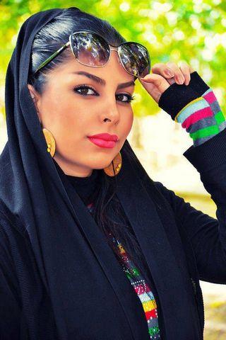 Persian Girl 25