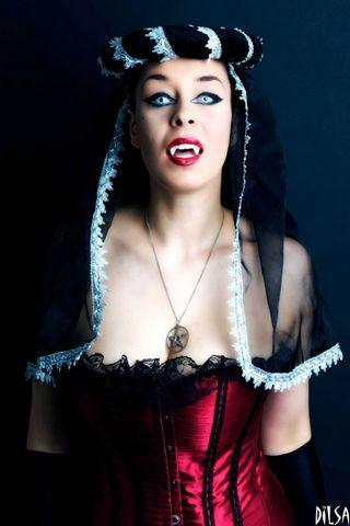 महिला पिशाच