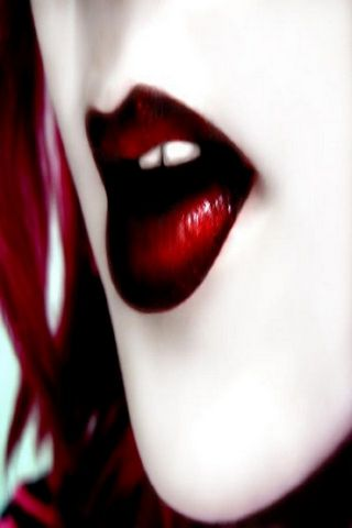 Lips 2 Kiss