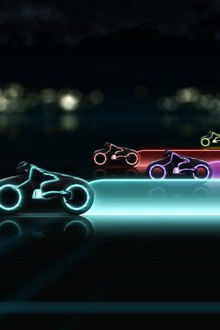 Tron-Legacy-Lightcycle-Race