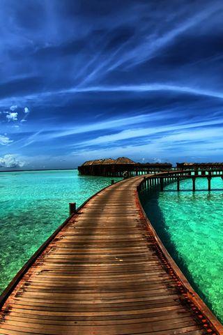 उष्ण कटिबंधीय द्वीप