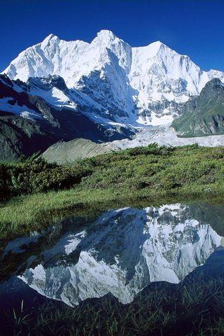 Chomolonzo Peak Kangshung Glacier Tibet