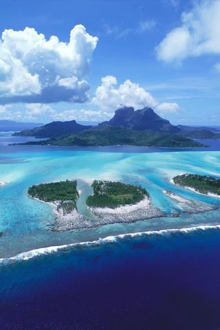 REEFS OF BORA BORA