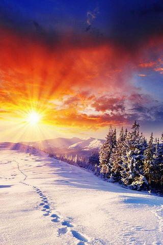 हिमाच्छन्न पर्वत और सनशाइन