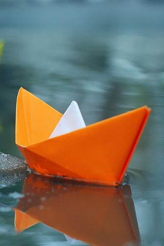 Paper-Boats-On-Icey-Lake.