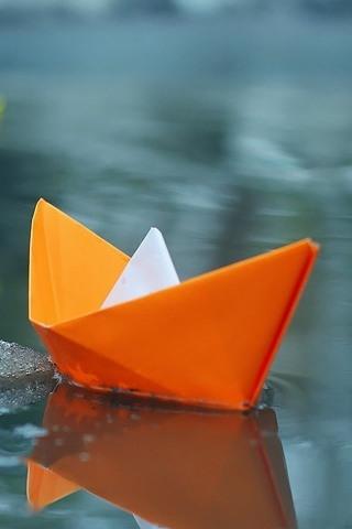 Perahu Kertas Jeruk