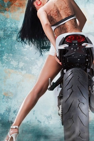 Hot Girl Riding Vilner Ducati Monster