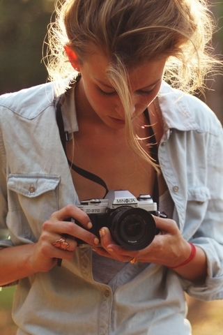 Girl-Photographers