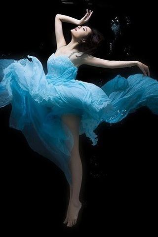 Water-dance-i