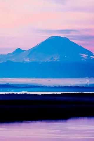 Tiny City Giant Peak