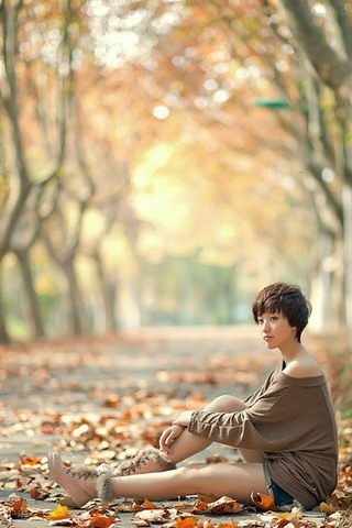 Girl-and-Autumn