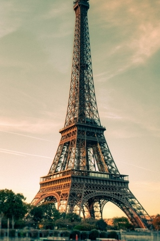 Lovely-Eiffel-Tower-View