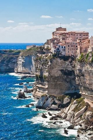 Corsica-on-the-Rocks