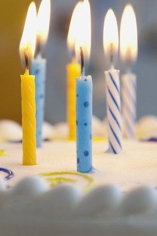 Candles-on-Birthday-Cake
