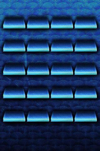 渦巻きのある青い棚