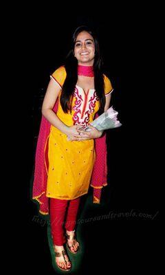 Aksha Telugu Heroine Wallpaper Download To Your Mobile From Phoneky