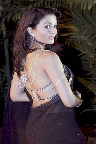 Hot Amrita Rao
