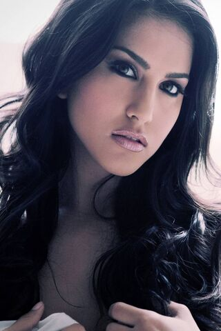 Wallpapers sunny leone hd 60 Hot