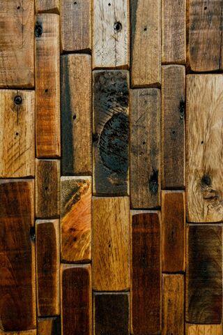 جدار الخشب