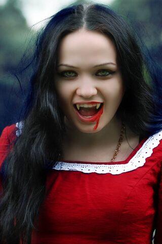 Белоснежка вампира