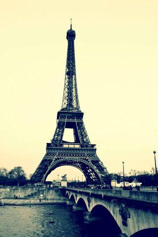 Eifel Tower Old