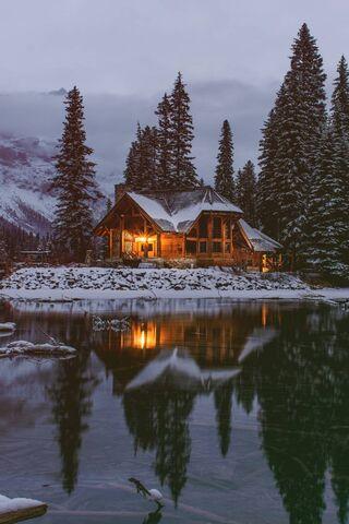 Cozy Lake House