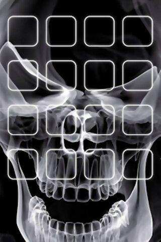 Półka zaprojektowana z czaszką
