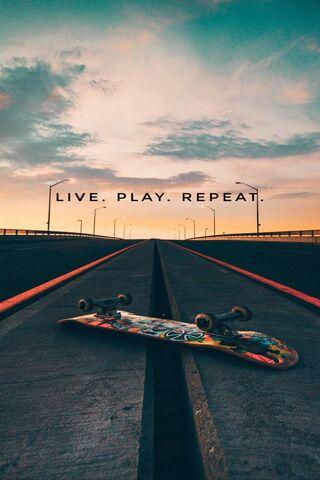 लाइव स्केट खेलते हैं