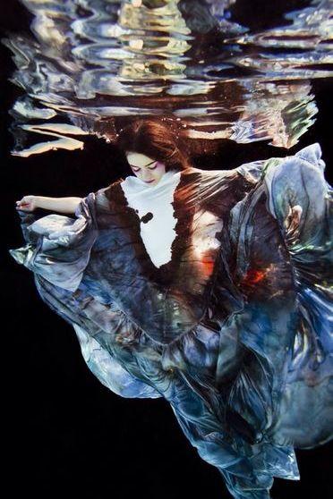 पानी के नीचे (1)