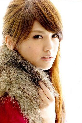 Blonde Rainei Yang