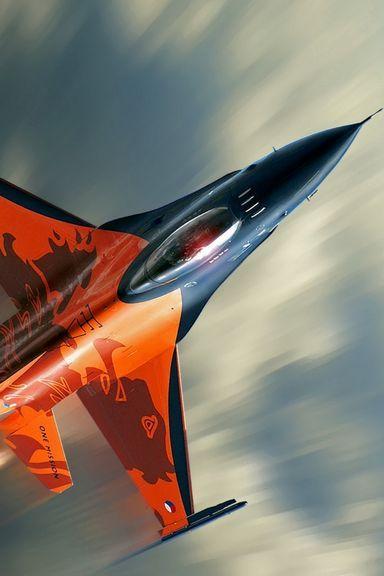 Máy bay phản lực