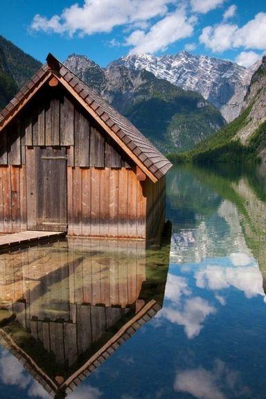 Cabin Near Lake