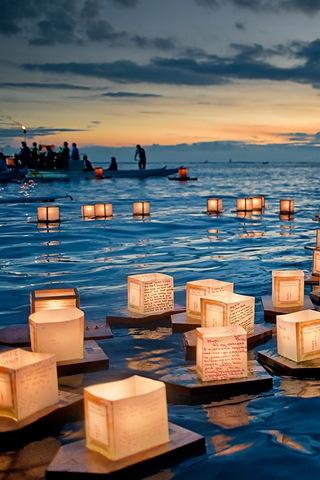 Плаваючі ліхтарі