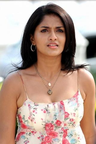 Cute Sunaina