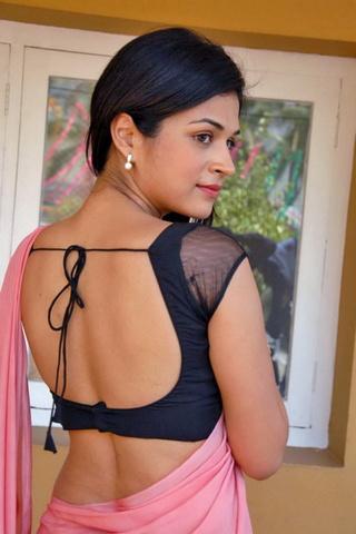Cute Shraddha Das